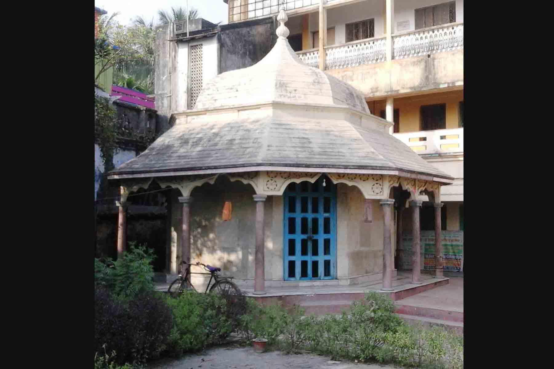 আজও ইতিহাসের স্বাক্ষ্য দেয় কপিলমুনির ঐতিহ্যবাহী বেদ মন্দির