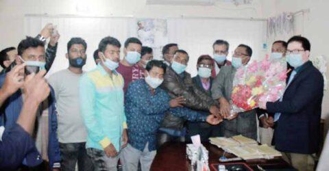 তালায় নবাগত ইউএনও'র সাথে প্রেসক্লাব নেতৃবৃন্দের সৌজন্য সাক্ষাত