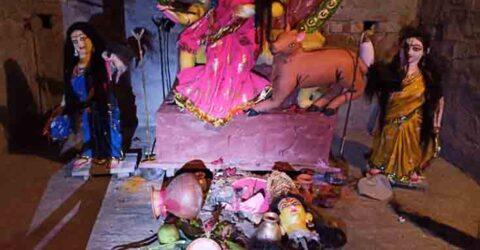 শ্যামনগরে কিশোরীকে উত্যক্ত, প্রতিবাদ করায় ৫টি বসতবাড়ি ও ৩টি রাসমন্দির ভাংচুর