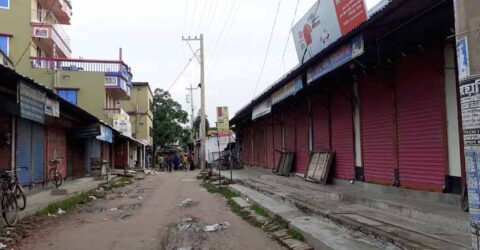 রাজগঞ্জে কঠোর লকডাউন, প্রথম দিনেই দোকানপাট ছিল বন্ধ, ভূমিকায় পুলিশ