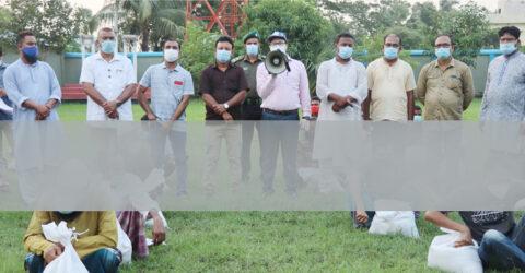 তালায় করোনায় কর্মহীন ১০০০ শ্রমিককে খাদ্য সহায়তা প্রদান