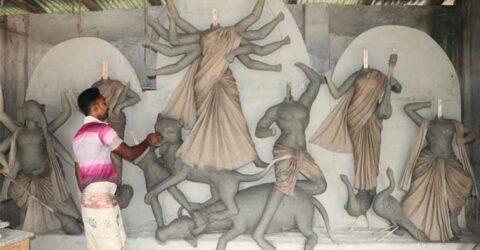 তালায় মন্ডপে মন্ডপে চলছে দূর্গা পূজার প্রস্তুতি