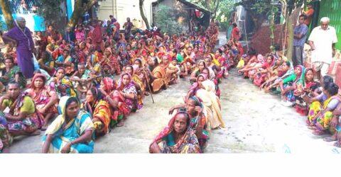 পাটকেলঘাটায় টাটা ক্রপ কেয়ার কোম্পানীর পক্ষ থেকে ১০০০ মানুষের মাঝে বস্ত্র বিতারণ